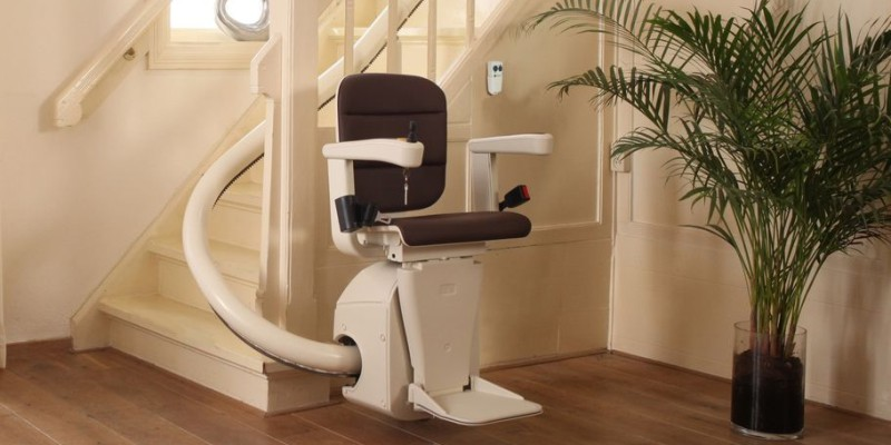 Curved Stailift Quote in Exeter, Plymouth, Barnstaple, Totnes, Devon Stairlift Specialists