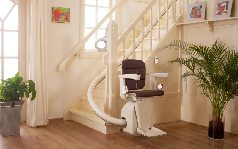 Curved Stairlift Installers in Newton Abbot, Torquay, Exeter, Plymouth, Barnstaple, Oakhampton, Honiton, Taunton, Devon