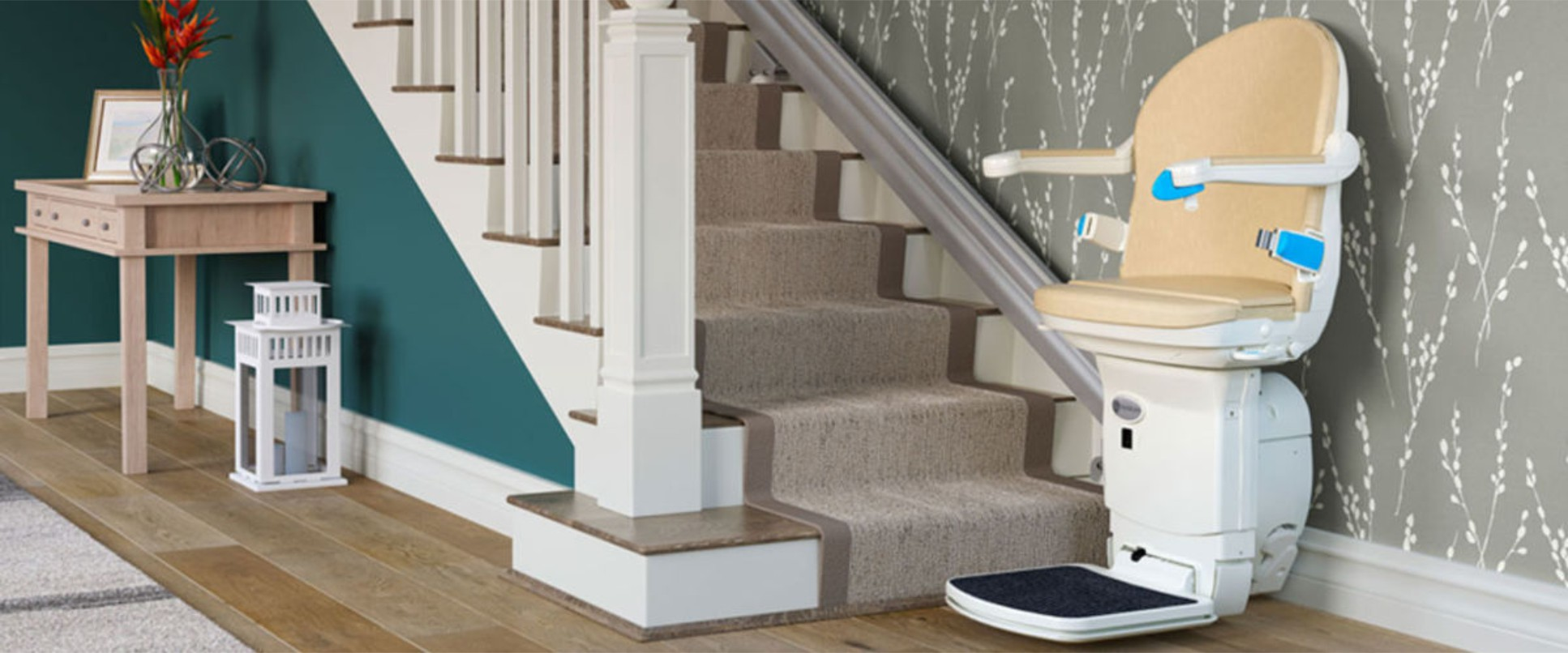 Curved & Straight Stairlift Cost in Newotn Abbot, Totnes, Torquay, Exeter, Plymouth, Devon